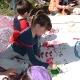 ילדים מציירים פרחים